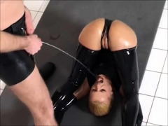latex-lucy-in-black-latex-outfi