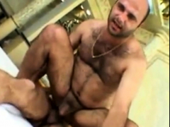 arab-daddies-and-dick-slaps-bear-banging