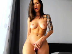 twerking-her-big-ass-masturbating