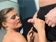 Secretary Knows How To Please Her Boss