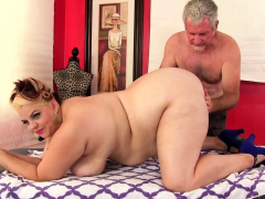 Fat Buxom Bella Receives Sensual Massage