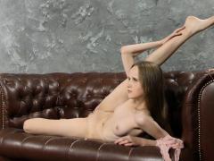 Abel Rugolmaskina Sexy Naked Splits