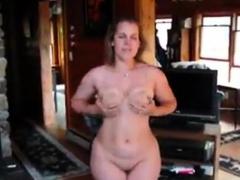 Gorgeous Sexy Housegirl Get Ready For Sex