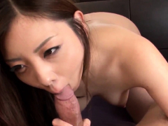 Maki Mizusawa sure loves ho- More at Japanesemamas.com