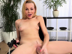 Rebeca Smile Afternoon Pussy Play