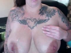 milk-mom-ny-busty-and-big-big-tits-in-pregnancy