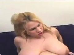 9-months-pregnant-blonde