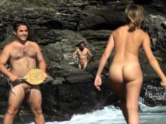 carol-goldnerova-sexy-beach-striptease