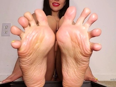 beauty-liking-foot-and-foot-xxx
