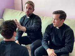 Twink assures priests by sucking their big mature cocks