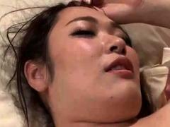 japanese-bbw-shows-her-boobs