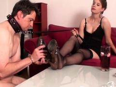 goddess-gloria-train-her-foot-sniff-slave-bobby