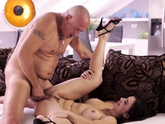 old4k-old-man-cums-in-chicks-open-mouth-after