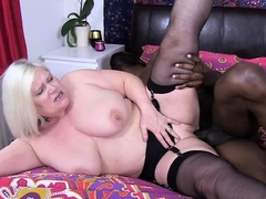 agedlove british lady lacey got it fast and wild
