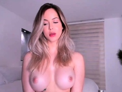 Pretty Girl Shows Her Tits