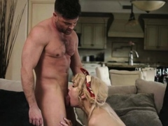 Hunk Lance Hart analed ts sweetie Ryder Monroe in the couch