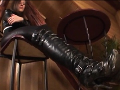foot-fetish-cumload-with-brunette