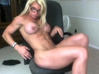 Muscle milf webcam
