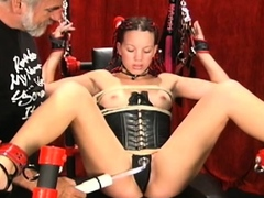Great looking girl who masturbates with her sex toy